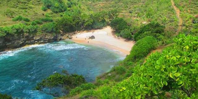 Pantai Butuh Gunung Kidul Yogyakarta