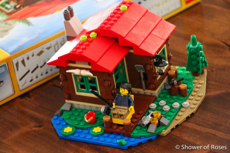 Shower of Roses: Bargain Priced Toys :: LEGO Lakeside Lodge - photo#12
