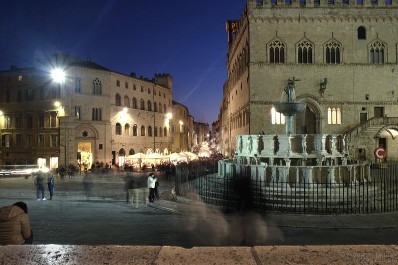 Perugia, Piazza IV Novembre e Corso Vannucci di sera