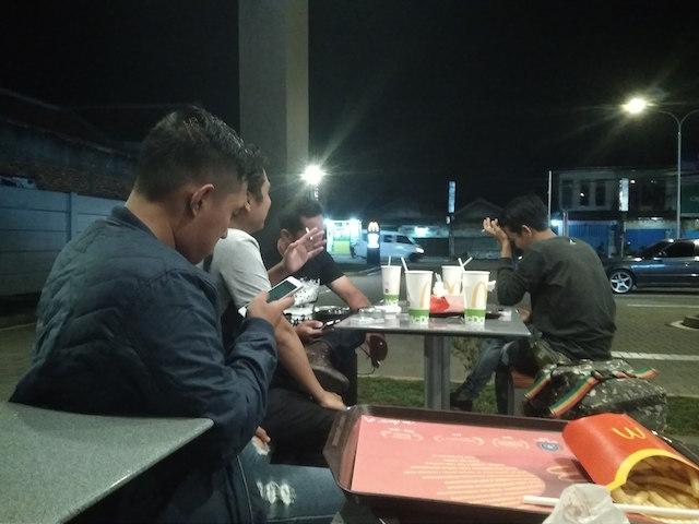 Panggilan Urgent Ke Jakarta Cyinn!!! Yanikmatilah Saja