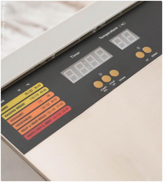 http://www.klarstein.com/Kuechengeraete/Doerrautomaten/Fruit-Jerky-Pro-8-Doerrautomat-Dehydrator-630W-8-Etagen-Edelstahl.html