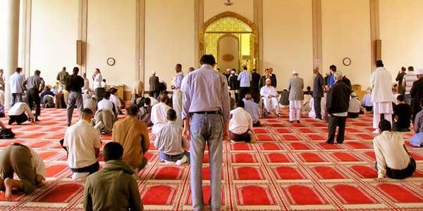 sholat sunnah di masjid