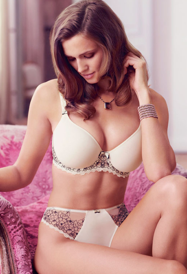 Most Beautiful Girls Bra Latest Design 10 Images 2013 ...