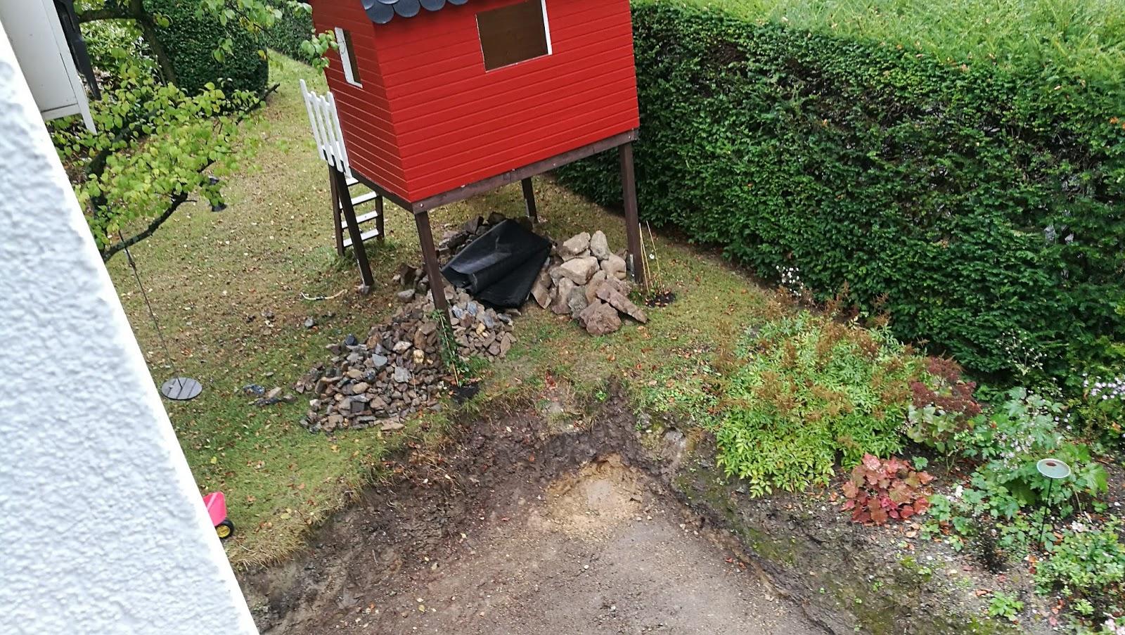Trockenmauer und vorbereitung f r die terrasse familie mahnkes traum vom haus for Loungemobel fur die terrasse