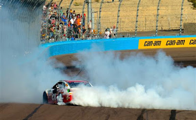 Matt Kenseth Wins at Phoenix Raceway - #NASCAR #MENCS