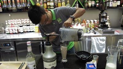 kỹ năng pha chế và trang trí đồ uống