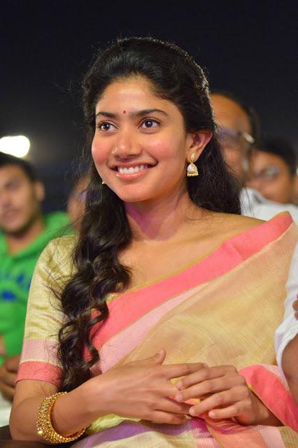 Sai Pallavi Beautiful Saree Picture
