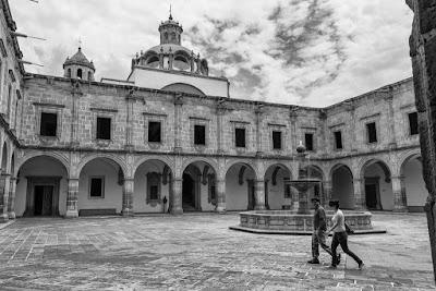 En Morelia (Michoacán, México), by Guillermo Aldaya / AldayaPhoto