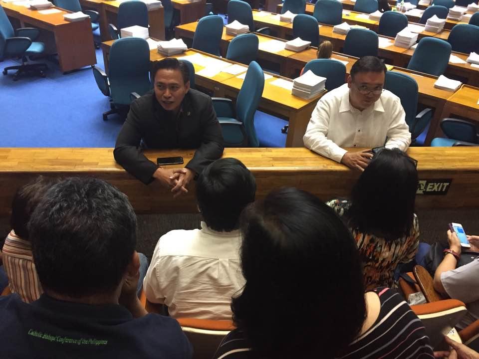Comunit di sant 39 egidio citt per la vita filippine for Quanti sono i parlamentari