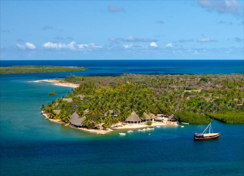 Manda Bay in Lamu Island | PLAN YOUR VACATION IN KENYA