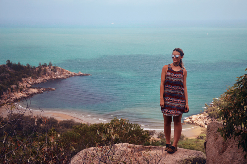 how to get to magnetic island from cairns
