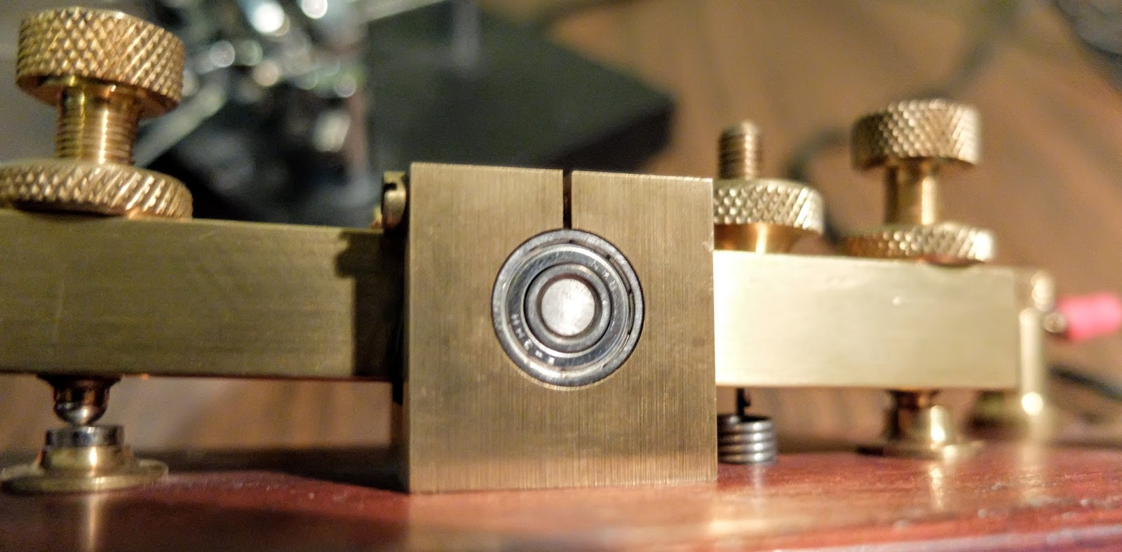 Ham Radio - QRP: Review of the Kent Hand Key