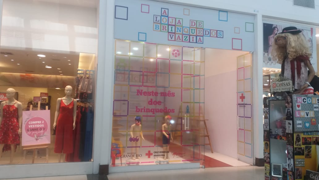 e41ead7db0 Dia das Crianças: Shopping Grande Rio retorna com projeto social 'A Loja de  Brinquedos Vazia'