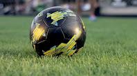 voetballen op gras
