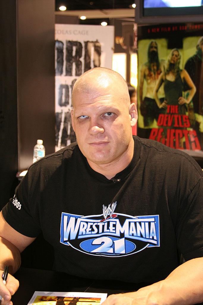 WWE CHAMPION 2011: wwe kane wife | 683 x 1024 jpeg 131kB