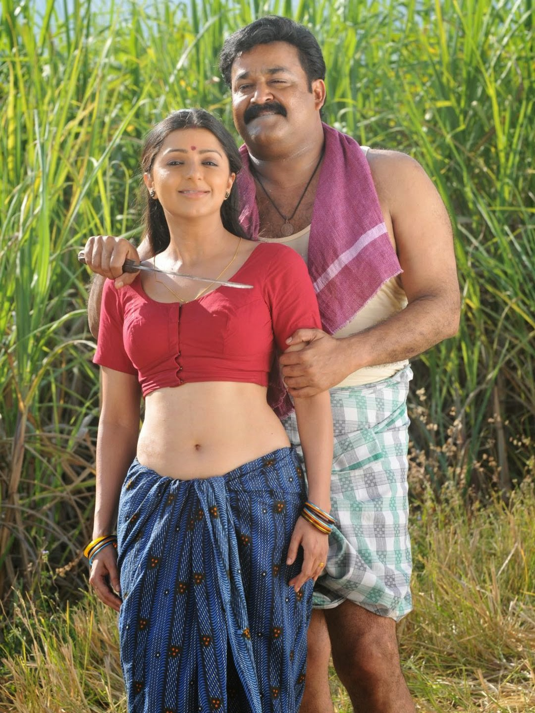 Bhaumika telugu actress navel show with Mohanlal