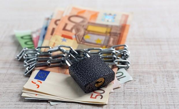 Πως δηλώνουμε τον ακατάσχετο λογαριασμό στην εφορία!!! Οι 5 κινήσεις που πρέπει να κάνετε για να είστε σίγουροι πως δεν θα σας «γδύσουν»!