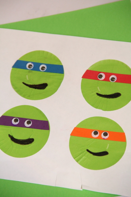 Teenage Mutant Ninja Turtle cupcake liner craft. From Sugar Aunts