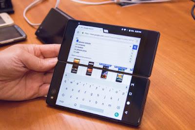 zte-axon-m-foldable-smartphone