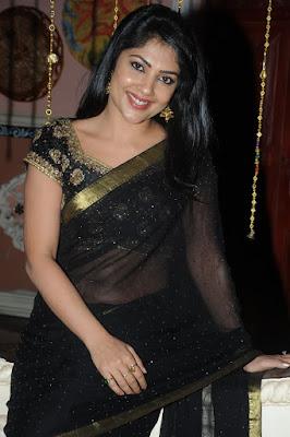 Kamalinee Mukherji's Profile, Galleries