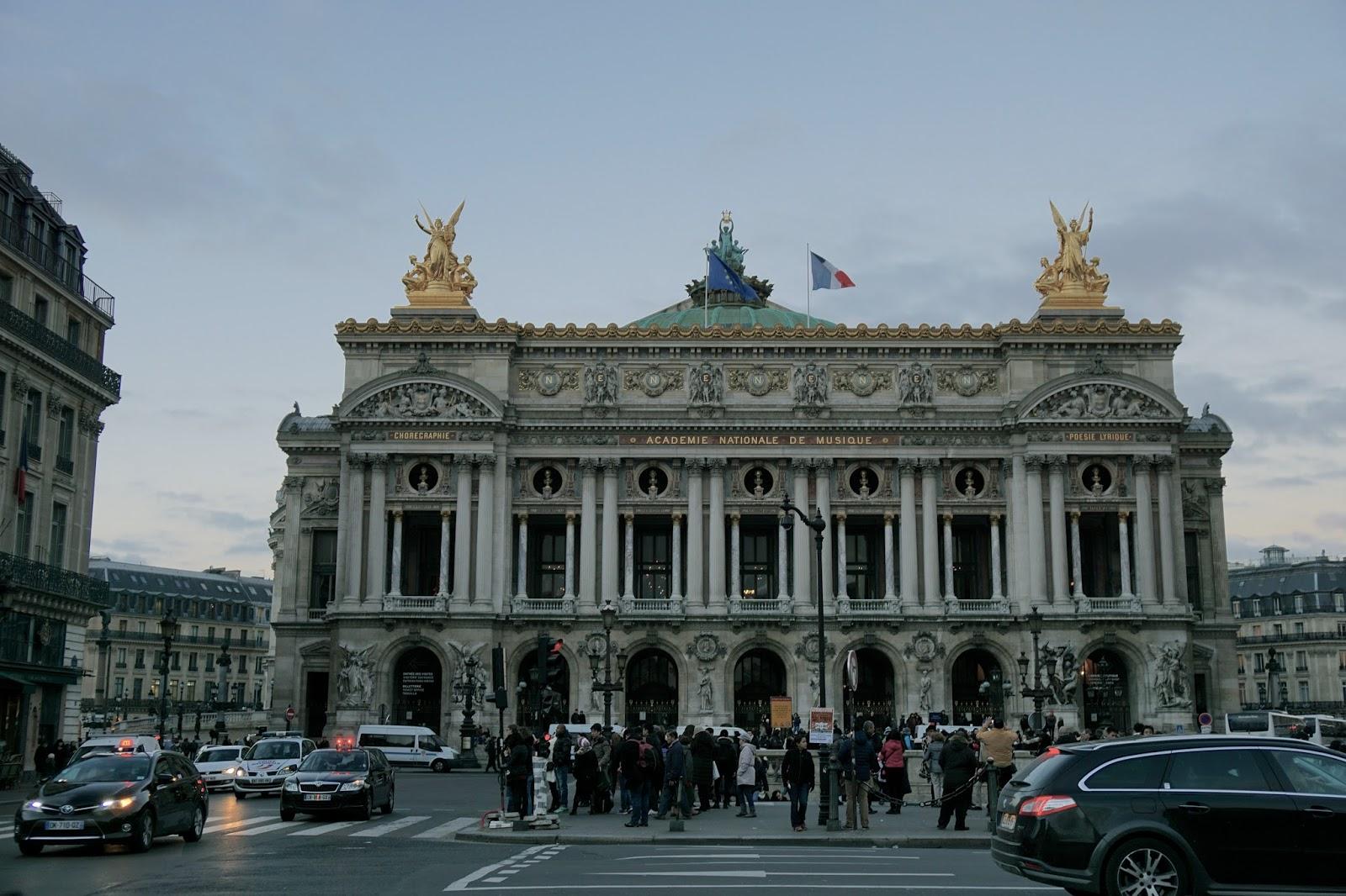 ガルニエ宮(Palais Garnier)の正面