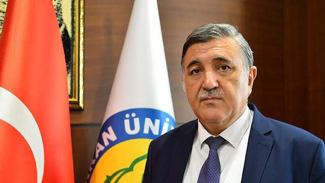 Rector turco dimite tras decir que es un deber islámico obedecer