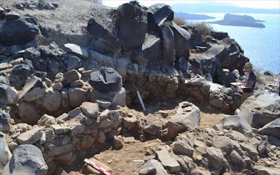 Ανασκαφή στη θέση Κοίμηση Θηρασίας: στο φως προϊστορικός οικισμός