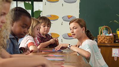 """Cine y Pediatría (333). """"Más allá de la pizarra"""", más allá de la educación en la escuela sin nombre"""