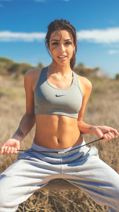 FITNESS FOR ALL: #THAT MIRROR CRACKING FIGURE - FOR GIRLS