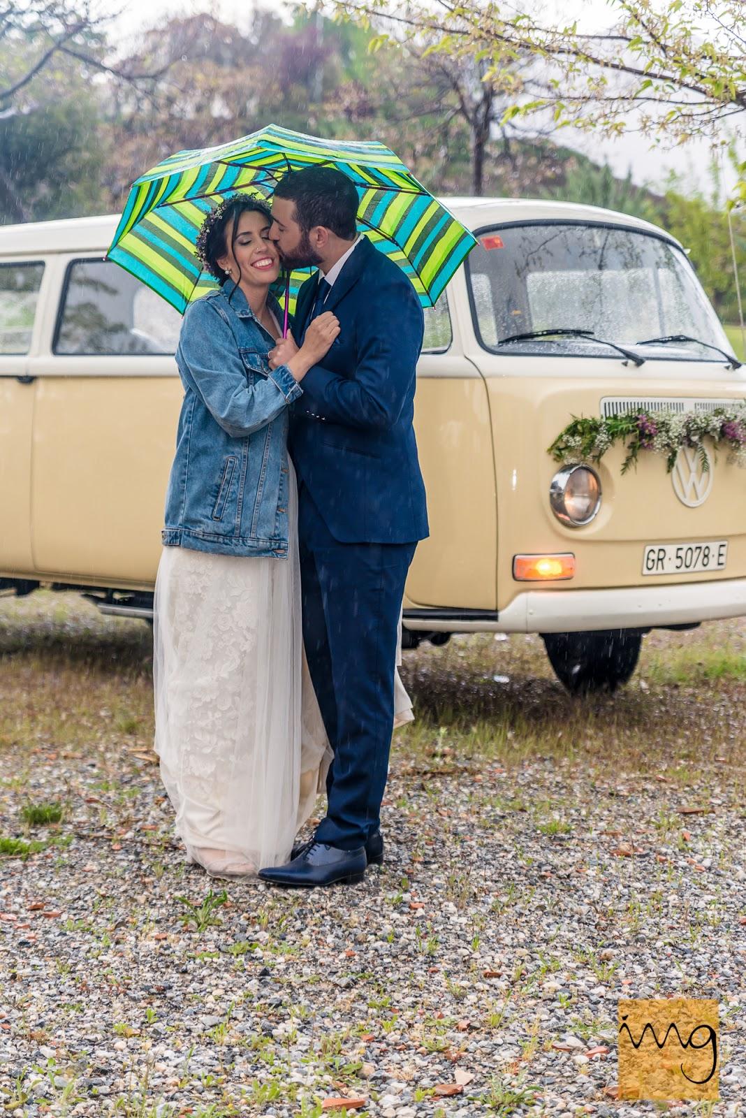 Fotografía de boda con lluvia