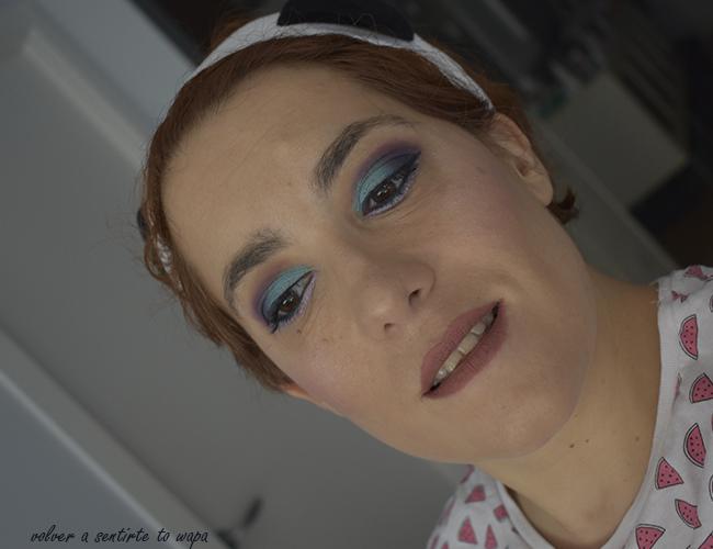 Maquillaje azul y granate paso a paso