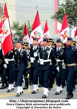Foto del desfile de la Gran Parada Militar del Perú a color