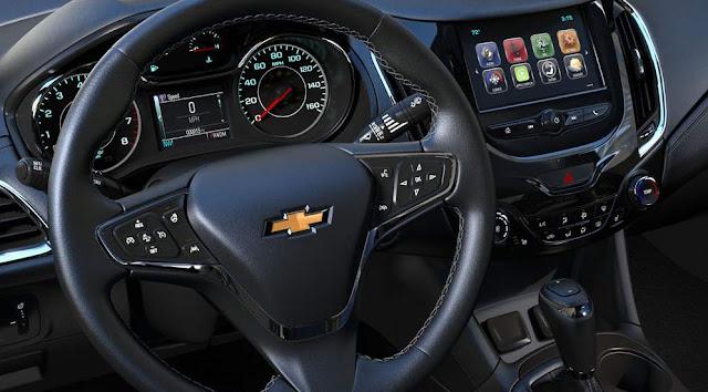 Novo Chevrolet Cruze Sport6 2017 - painel