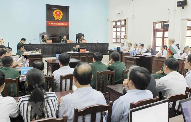 """""""Út trọc"""" Đinh Ngọc Hệ bị tuyên phạt 12 năm tù giam"""