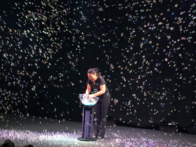Ana Yank bubble show