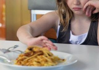 Whether you eat too much if you are not hungry Eating Disorders: Causes, Symptoms And Treatment