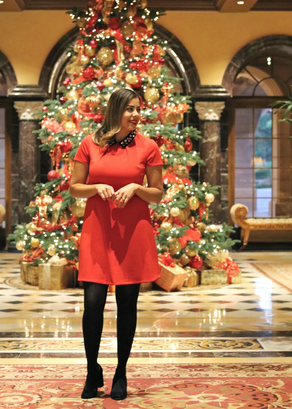 Christmas Time in San Diego, festive outfit and tree, what to wear to a christmas party