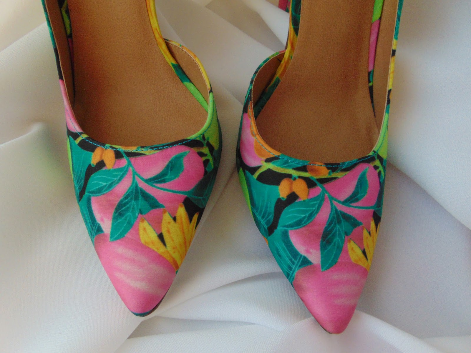 Flower Power - meine blumige JustFab Bestellung - Heels & Sneaker - www.annitschkasblog.de