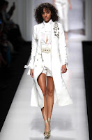 https://fashiondivastyle.blogspot.it/2017/08/moda-in-bianco-come-vuole-lestate.html