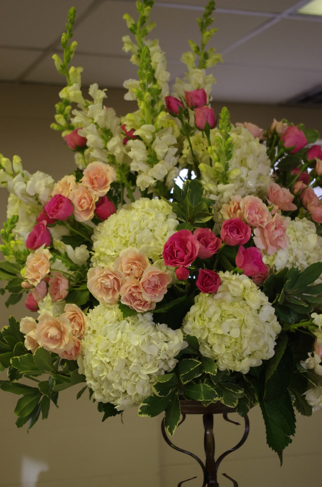 Flower arrangements for birthday parties new house designs flowers by amy weddings and design 80th birthday party izmirmasajfo