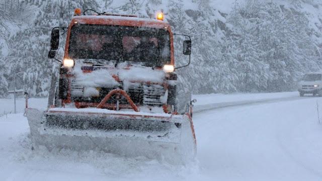 Συνεχίζονται σε Κορινθία και Αρκαδία τα προβλήματα με τα χιόνια