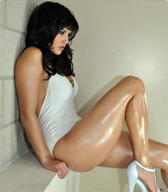 Sunny Leone is making it hotter than ever with her sizzling legs