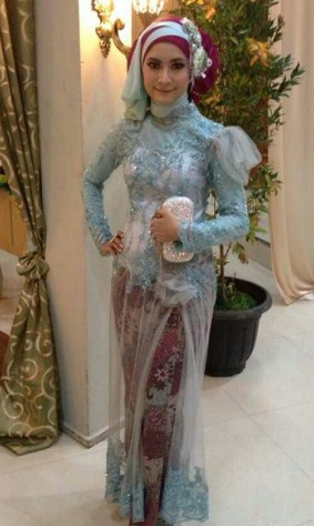 Model Kebaya Muslim balutan hijab