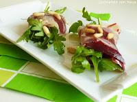 Rollitos de rúcula con jamón ibérico-cocinando-con-neus