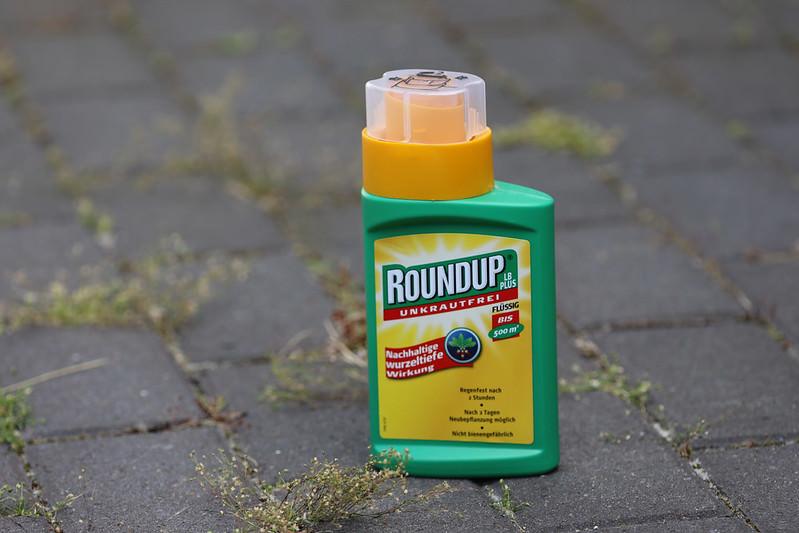 Embalagem do herbicida Roundup