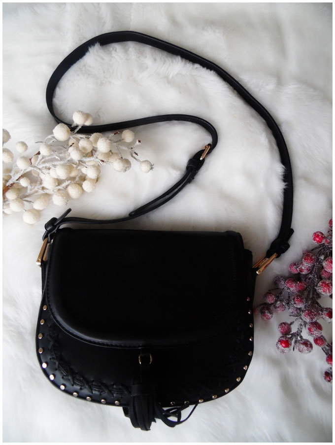 Accessorize Black Tassel Bag #accessorize #bag #black #tassel http://junegold.blogspot.de