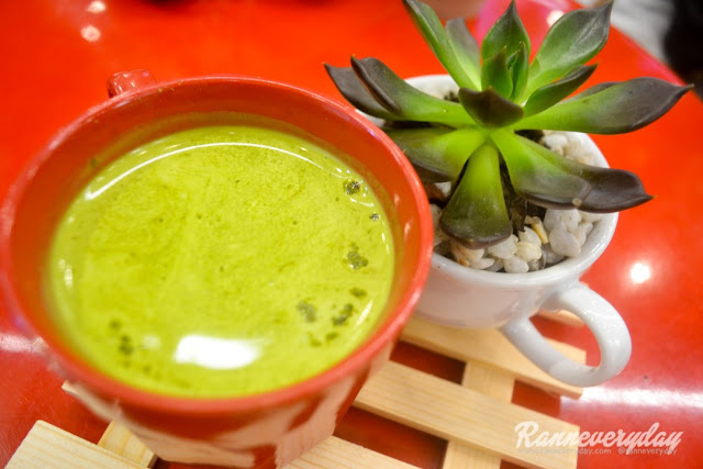 Green Matcha Latte at Beans and Blossoms Cafe Malolos