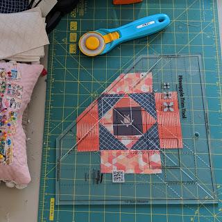 pineapple quilt blocks Creative Grids Pineapple Trim Tool