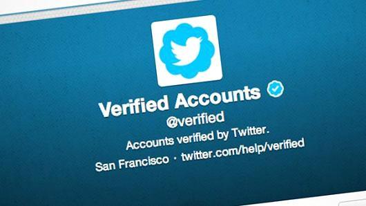 كيفية الحصول على العلامة الزرقاء لحسابك وتعريفه بموقع تويتر بسهولة !
