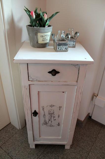 DIY, Basteln: Shabby Chic Schränckchen / Schrank in Möbel und Wohndekoration - DIYCarinchen